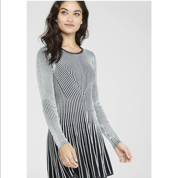 4ddfd9838b7 Express Dresses   Skirts - Express Long Sleeve Sweater Dress